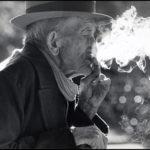 idoso-fumando