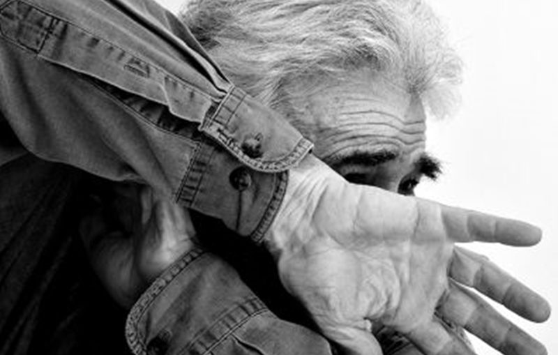 Resultado de imagem para violência contra idosos no brasil